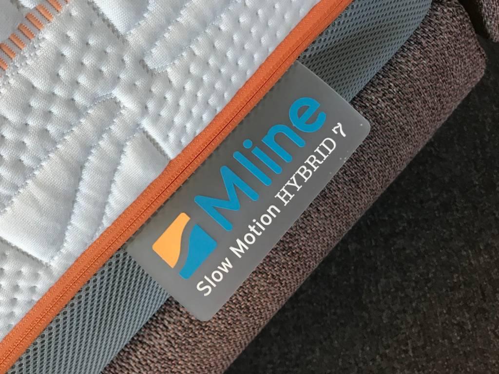 M Line Nachtkastje.Showroom Sale M Line Superior Boxspring Compleet